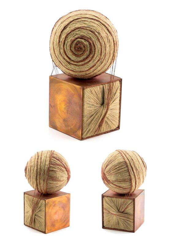Viera-Černáková-Dva-princípy-Individuálna-textilná-technika-použitie-rôznych-druhov-špagátu-a-medi