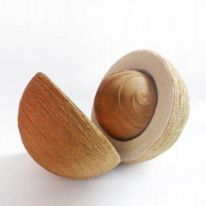 Viera-Cernakova-–-Zrod-individualna-textilna-technika-–-spagat-drevo-med-galeria