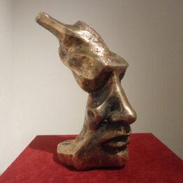 Marek-Betka-Strážca-2-bronz-40-cm-sucasne-socharstvo